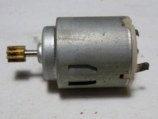 H0 - Motor do lokomotivy